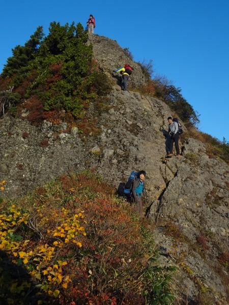 八海山2日目-2 八ツ峰の岩尾根
