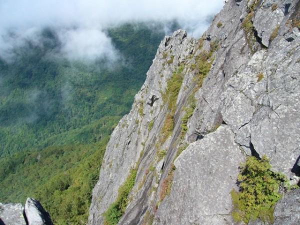 03 旗立岩(懸垂下降点から)