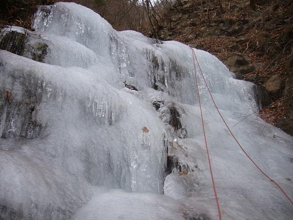10 三段の滝右股氷瀑(小)