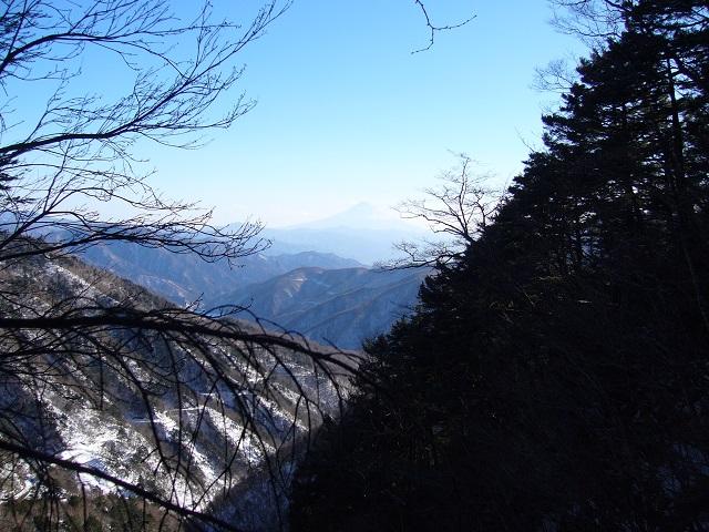 15 3段大滝2段目落口から富士山