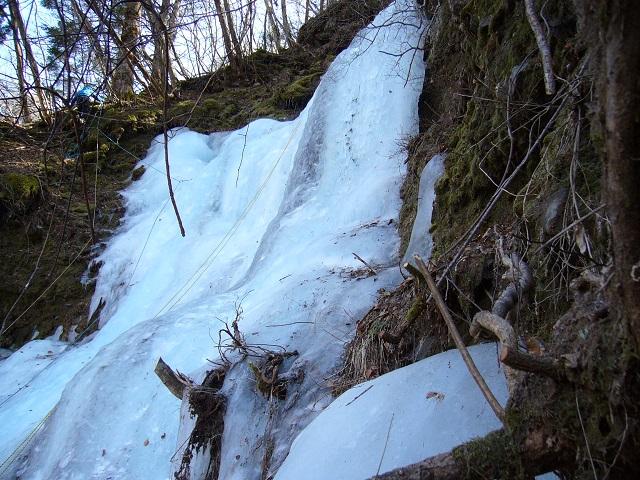 01 右の氷瀑