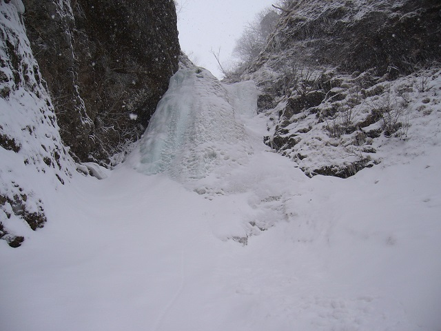 14 権現沢左俣大滝